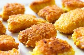 Fisknuggets med citron och gurkmeja